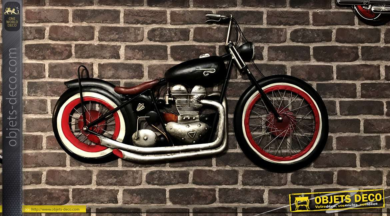 Grande moto murale en métal, finiton charbon, alu chromé et rouge vif, ambiance atelier de mécanique, 98cm