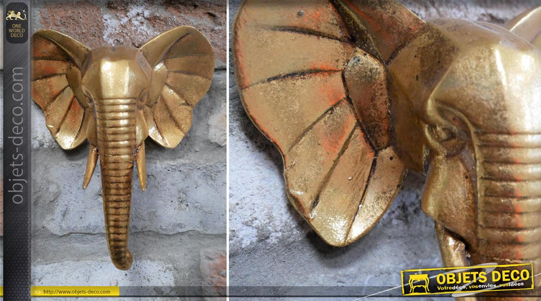 Petite décoration murale en résine en forme de tête d'éléphant, finition doré ancien, ambiance safari, 20cm