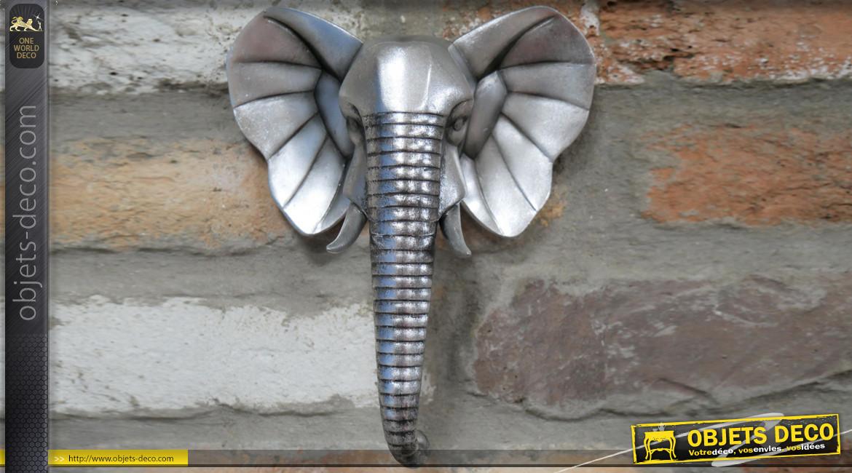 Petite décoration murale en résine en forme de tête d'éléphant, finition acier vieilli, ambiance safari, 20cm