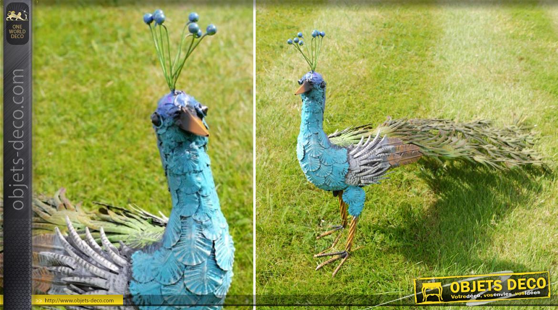 Grand paon en métal très coloré, ornementation de parcs et jardin de charme, 110cm de long