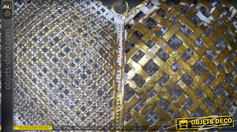 Gros coeur en métal à suspendre, finition dorée et blanchie, reflets bronze, 27cm