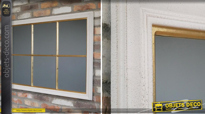 Grand miroir horizontal en bois esprit fenêtre, finition blanc antique et doré vieilli, ambiance douce romantique, 113cm
