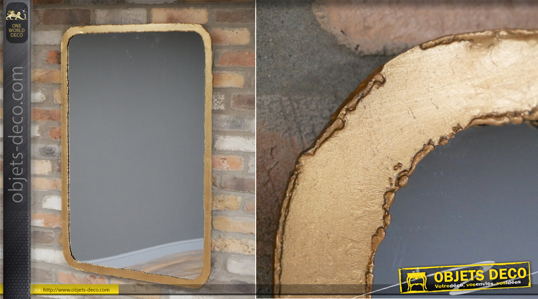 Grand miroir mural avec encadrement en métal finition dorée effet ancien, ambiance industrielle soudure, 96cm