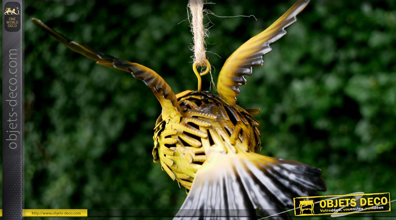 Oiseau en métal à suspendre, en métal finition jaune paille, ambiance champêtre, 17cm