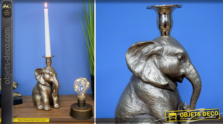 Chandelier en résine en forme d'éléphant assis, finition chrome effet brossé, 22cm de hauteur finale