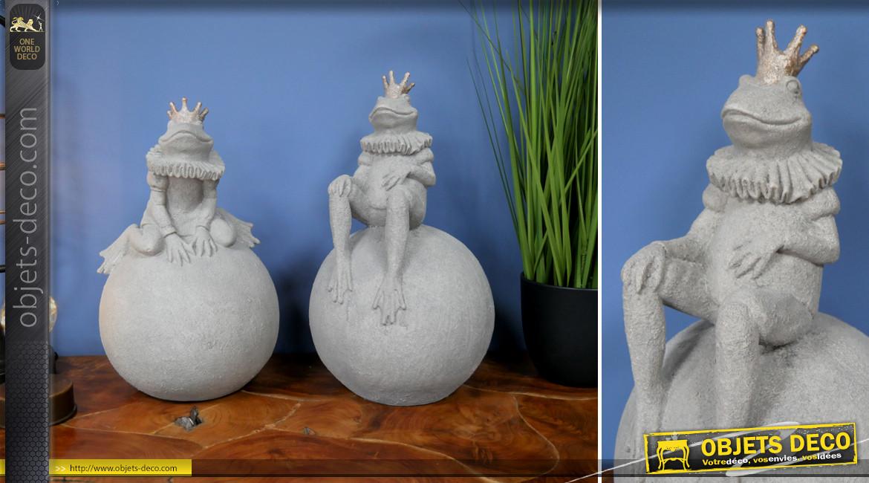 Série de deux statuettes imitation pierre grise, représentation de grenouilles de contes de fées, 40cm