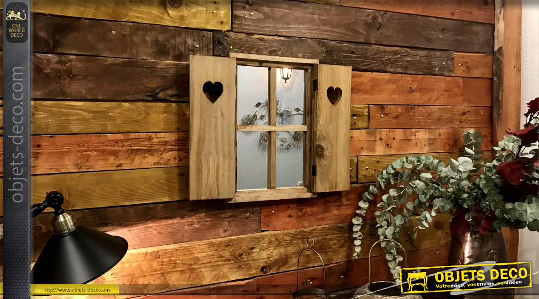 Miroir mural en bois brut esprit fenêtre décorative, ambiance chalet savoyard avec coeurs découpés sur les volets, 45cm