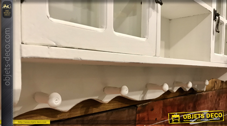 Etagère murale en bois avec portes vitrées, finition blanc effet ancien, ambiance rétro romantique, 79cm