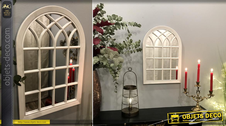 Miroir en forme de fenêtre arrondie, finition blanc laqué esprit ferronnerie extérieure ambiance campagne, 55cm