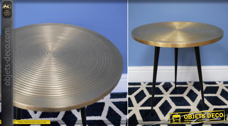 Table d'appoint de style Art Déco en métal avec plateau plaqué laiton, ambiance rétro chic, Ø40cm