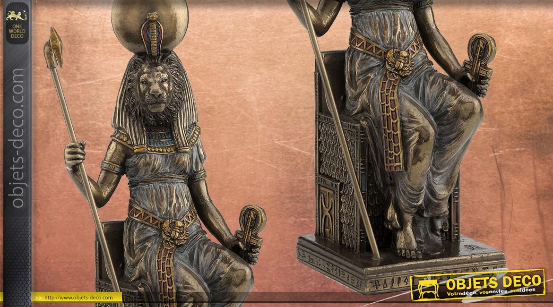 Statuette de Sekhmet La Puissante, ambiance égypte antique finition vieux bronze, collection Divinités, 20cm
