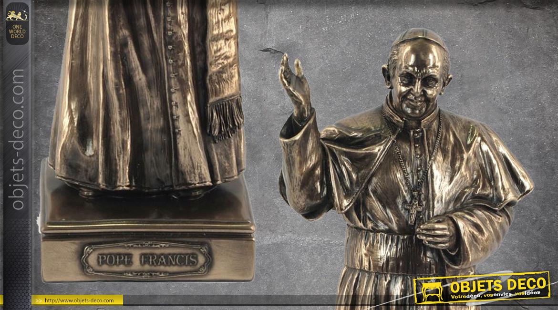 Pape François I, représentation du 266e pape de l'église catholique, en résine finition dorée effet bronze laiton, collection Terre des Dieux, 27cm