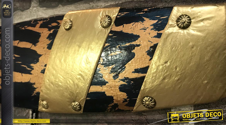 Série de trois hélices d'avion décoratives en bois, trois finitions différentes effet ancien, chainettes et ornements en métal, 120cm