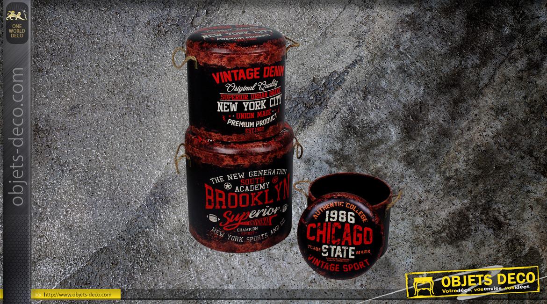Série de 3 poufs/coffre en bois et habillage polyester, impressions vieux barils New York, Chicago et Brooklyn, Ø40cm