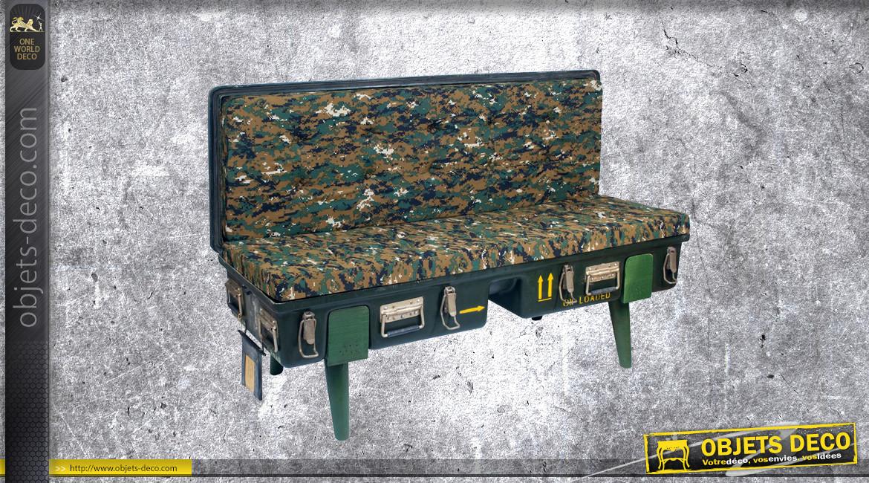 Bout de lit - banquette d'appoint en bois et métal en forme d'ancienne male de l'armée, ambiance camouflage, 134cm