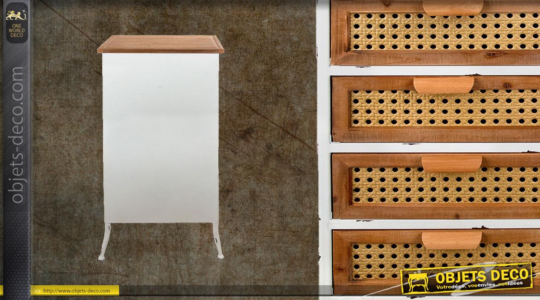 Meuble d'appoint en métal blanc décapé et bois brut, habillage des tiroirs en cannage miel, 92cm