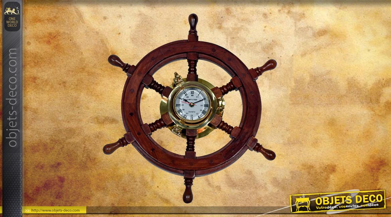 Reproduction d'un gouvernail en bois de Ø42cm avec horloge centrale en laiton doré