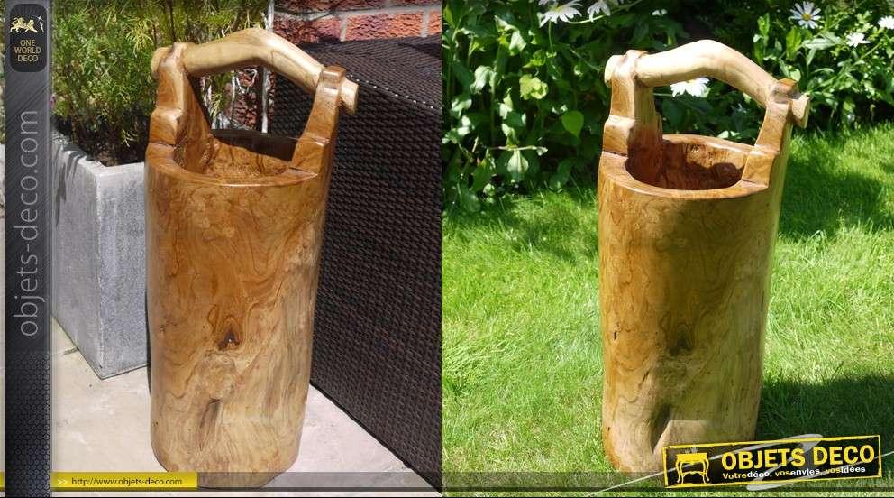 Sceau de jardin sculpté en bois massif