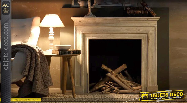 Manteau de cheminée en bois esprit rustique ancien, finition blanc céruse, 117cm