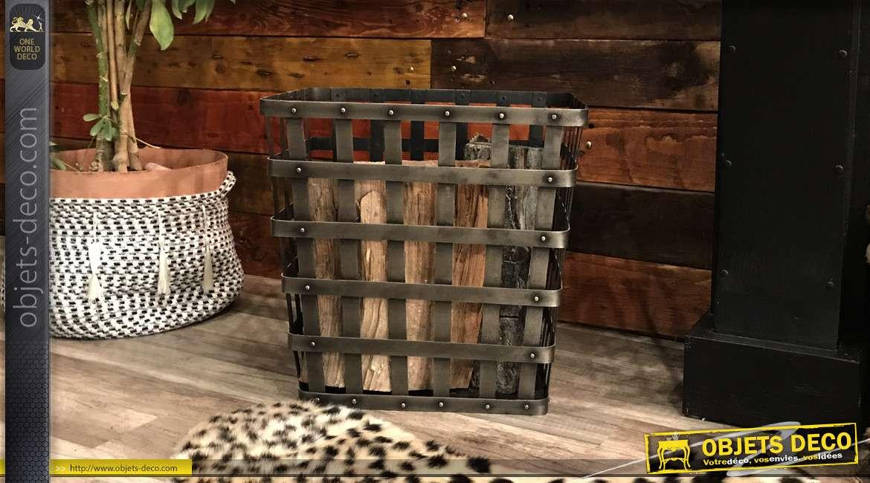 Corbeille à bûches en métal de forme rectangulaire, soudures apparantes, style contemporain industriel, 38cm