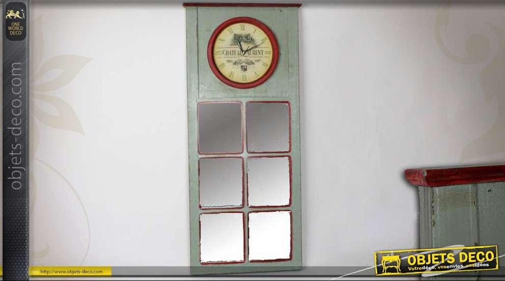 Miroir mural en bois gris clair avec formes ondul es 120 cm for Miroir forme fenetre