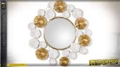 Miroir décoratif rond avec ornementations stylisées blanc et or Ø 60 cm