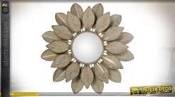 Miroir décoratif en métal en forme de grande fleur en relief Ø 78 cm