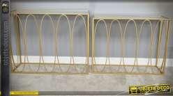 Duo de consoles design en métal doré avec plateaux en miroir