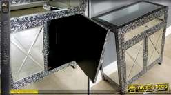 Buffet style marocain métal embossé et habillage en miroirs