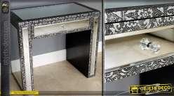 Table console de style marocain avec habillage en miroirs