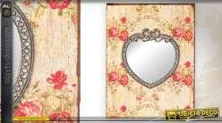 Miroir en forme de coeur sur support vintage à motifs de fleurs