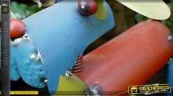 Chien multicolore style déco récup' en métal