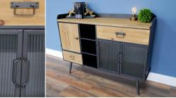 Buffet moderne en métal anthracite, plateau en bois de sapin brut et portes vitrées, ambiance linéaire, 121cm