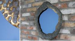 Miroir circulaire mural avec encadrement en métal, finition doré ancien effet vieilli, Ø50cm