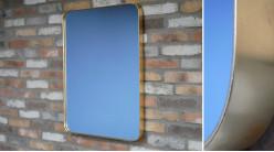 Grand miroir moderne rectangulaire, encadrement en métal finition laiton doré brossé, 80cm
