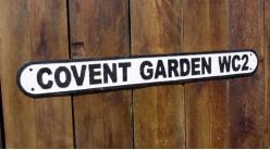 Plaque murale en fonte avec inscription du quartier de loisirs de Londres, Convent Garden WC2, 83cm