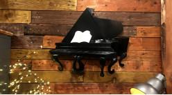 Décoration murale en forme de piano finition noir charbon, clavier miroité, ambiance classe de musique, 65cm
