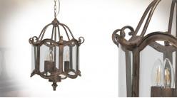 Suspension à 3 feux en métal et verre type lanterne, finition vieilli reflets dorés, 32cm