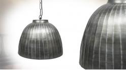 Suspension cloche en métal, finition acier effet vieilli, ambiance industrielle, Ø45cm