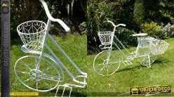 Grand vélo porte-plantes crème antique avec trois bacs à fleurs
