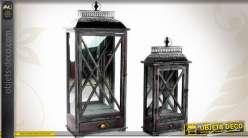 Série de 2 grandes lanternes coloris noir en bois et métal 88 cm