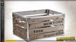 Caisse de rangement en bois et métal avec inscription New-York