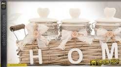 Corbeille en rotin avec pots décoratifs en verre