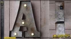 Décoration murale en métal Lettre A avec éclairage LED