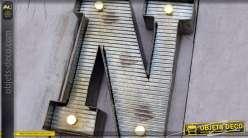 Décoration murale en métal Lettre N avec éclairage LED