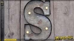 Décoration murale en métal Lettre S avec éclairage LED