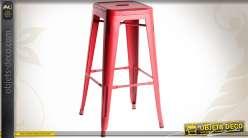Tabouret de bar rouge en métal de style rétro 76 cm
