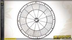 Horloge murale ronde en métal vieillie coloris noir ancien et blanc