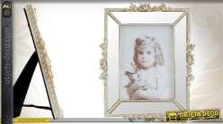 Cadre-photo à parclose et orné de motifs floraux finition patinée