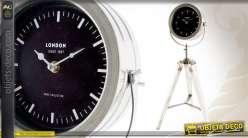 Horloge de style industriel en métal et en bois coloris blanc
